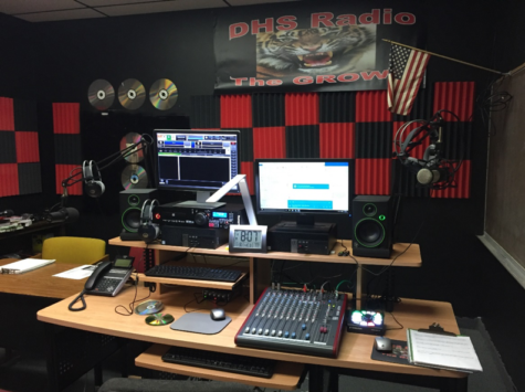 "Century Link Helps Dunnellon High School Put ""Reading for Radio©"" On The Air"